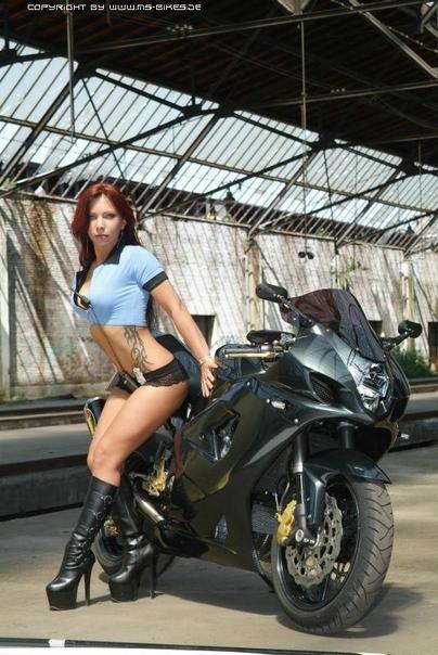 """Moto & Sexy : Attention Contrôle """"routière"""" (GSX-R)"""