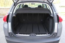 Le volume du coffre est dans la moyenne, 355 litres, mais carré et le seuil est bas.