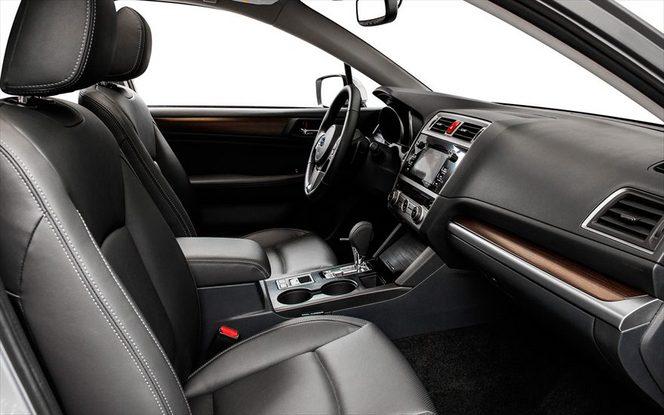 La nouvelle Subaru Legacy s'échappe