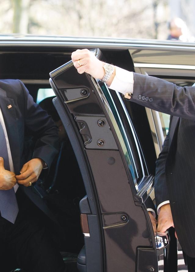 """Cadillac """"The beast"""" : découvrez la limousine du nouveau président américain Donald Trump"""