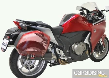 Exclu : Devil propose un pot pour la Honda VFR 1200 équipée de valises.