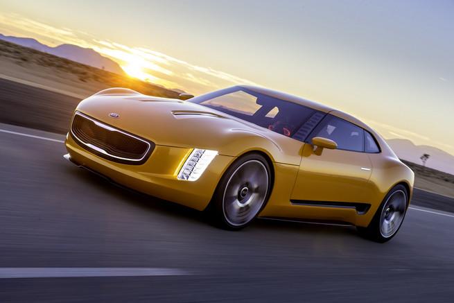 La Kia GT4 Stinger de série dès fin 2014!
