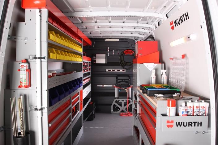 Aménagement des véhicules utilitaires : indispensables cloisons, casiers…