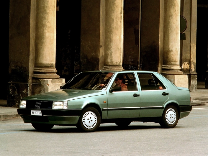 In 1988, Fiat launched the first turbo-diesel sedan with direct injection, the Croma TDid, just before the Rover Montego.