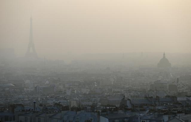 Pollution: restrictions de circulation à Paris, Lyon et Grenoble mardi 24janvier