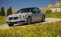 La future BMW Série 7 pourra entrer et sortir d'un garage de façon autonome