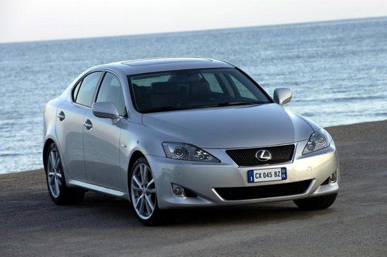 Essai - Lexus IS 250 & 220 d : une des meilleures familiales diesel