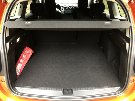The trunk volume loses a few liters and starts at 411 liters.