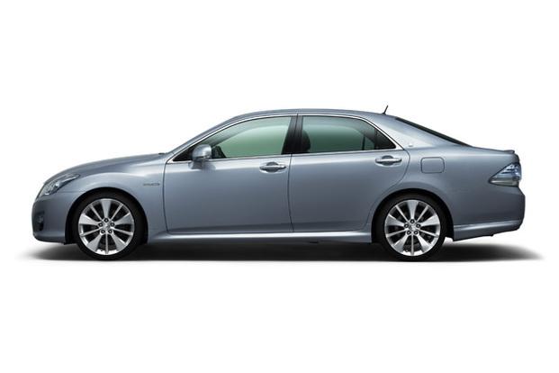 Salon de Tokyo : gros plan sur le Toyota Crown Hybrid concept