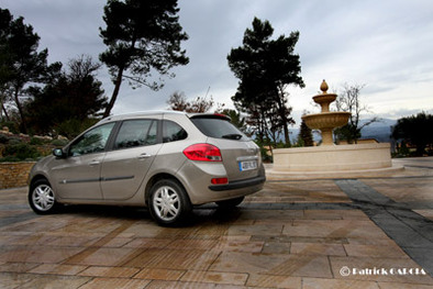 Test intestin assassin ! Renault Grand Modus contre Clio Estate 2/3