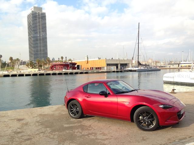 Mazda MX-5 RF (2017) : découvrez les premières images de l'essai en live + premières impressions