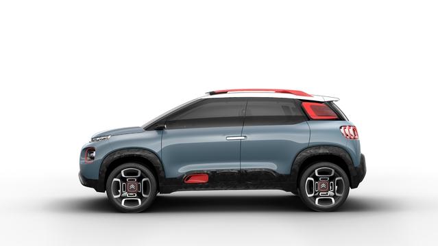 Des projecteurs à deux étages, des airbumps, pas de doute, il s'agit bien d'une Citroën
