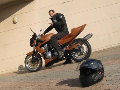 PTRS 2008 : 600 Bandit de 98 d'Eden, un Full Cuir & strip