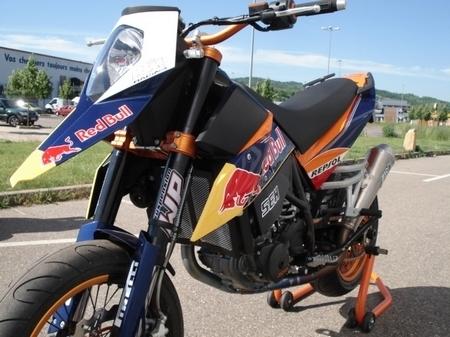 KTM 690 SM Repsol by KTM Metz : Un Supermotard réplica