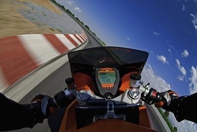 KTM lance la «RC8 expérience»