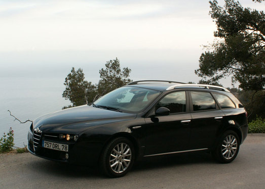 essai alfa romeo 159 sportwagon un wagon nomm d sir. Black Bedroom Furniture Sets. Home Design Ideas