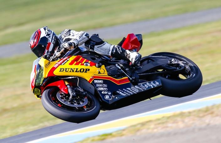 Les Dunlop GP Racer D212 Slick au départ du prochain Bol d'Or avec le team Motors Events Europe