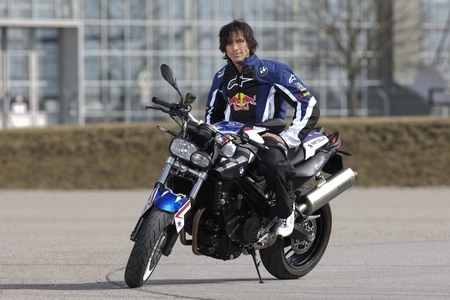 BMW F 800R Chris Pfeiffer replica : En 2010, pour les fans de stunt [17 photos]