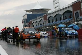 WTCC: Zanardi sur le sec, Tarquini sous la pluie