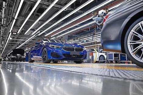 Les premiers cabriolets BMW Série 8 sortent des chaînes