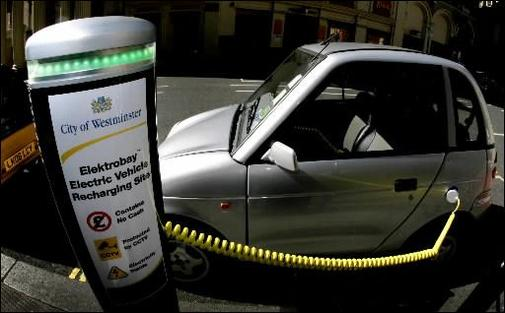 Shai Agassi souhaite qu'il y ait davantage de bornes de recharge pour les véhicules électriques