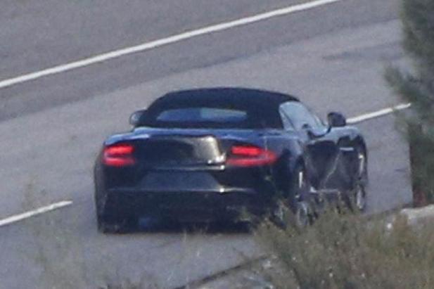 La future Aston Martin Vanquish Volante de sortie