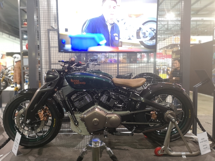 Royal Enfield Concept KX - EICMA 2018 : Old goes Young*