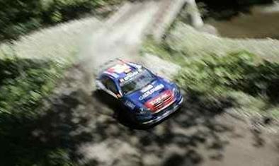 WRC: Loeb se fracture un bras: le titre en danger !