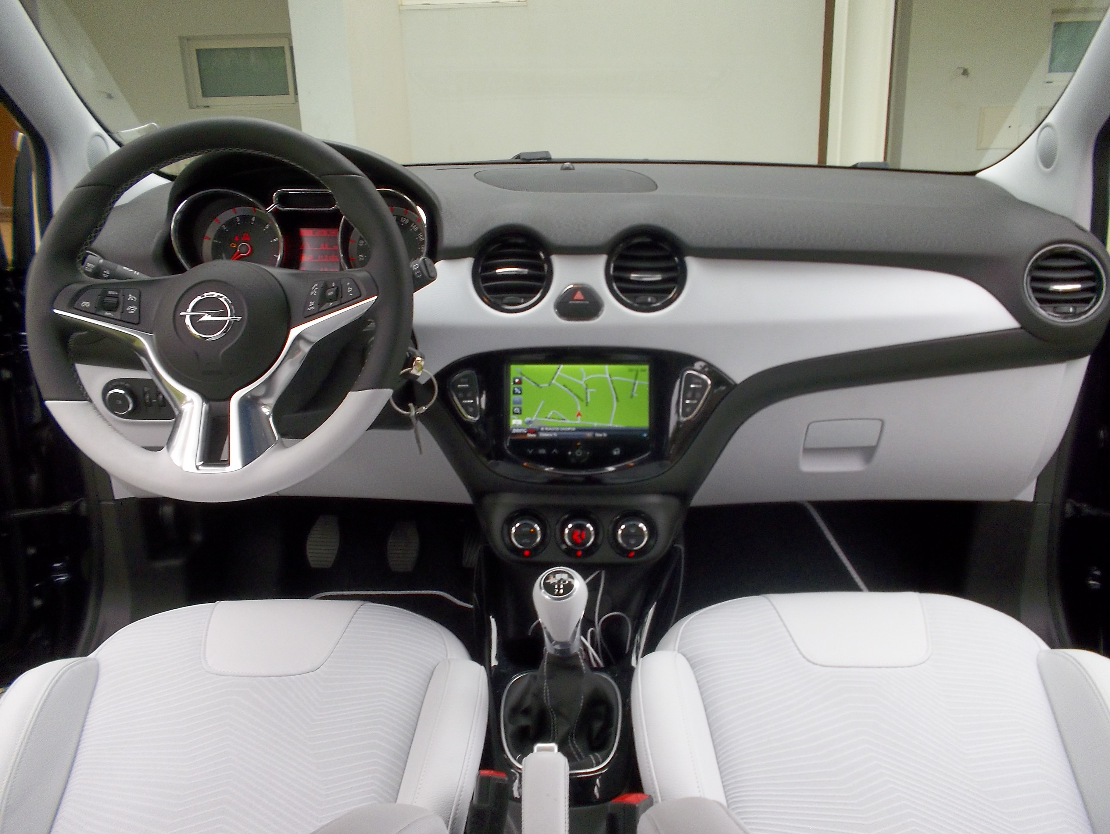 Essai vid o opel adam croquer for Opel adam s interieur