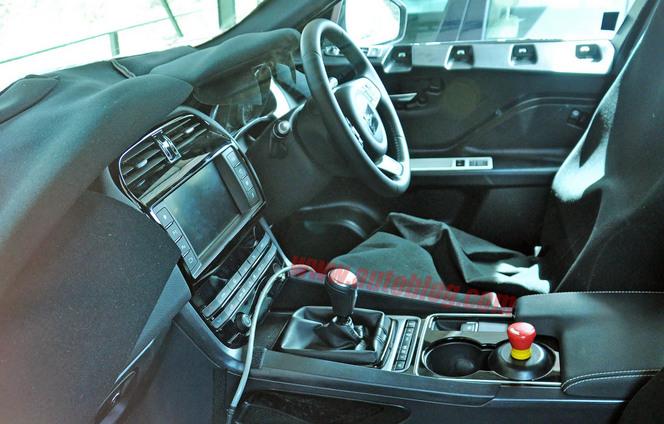 Surprise : à bord du Jaguar F-Pace