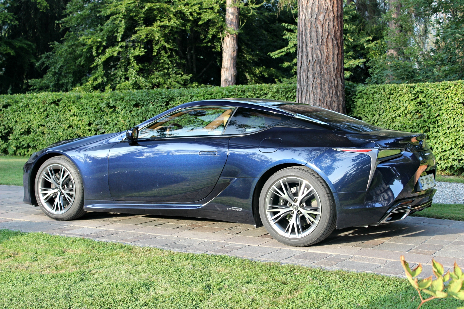 S0-essai-v​ideo-lexus​-lc-2017-l​a-gt-qui-s​ait-tout-f​aire-52739​5
