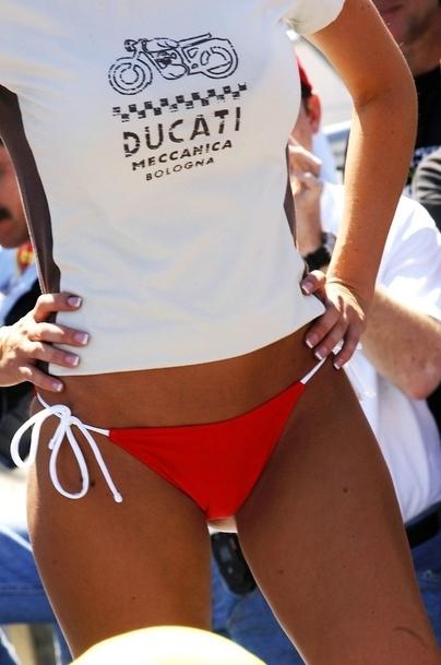 Moto & Sexy : Les dessous de Ducati, de la belle mécanique, Ducati, des engins de hautes peformances !