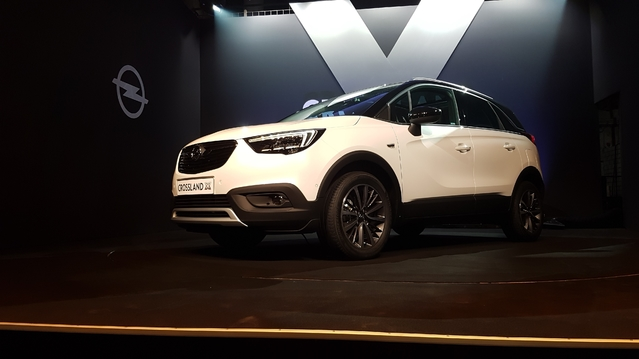 opel crossland x les premi res images. Black Bedroom Furniture Sets. Home Design Ideas