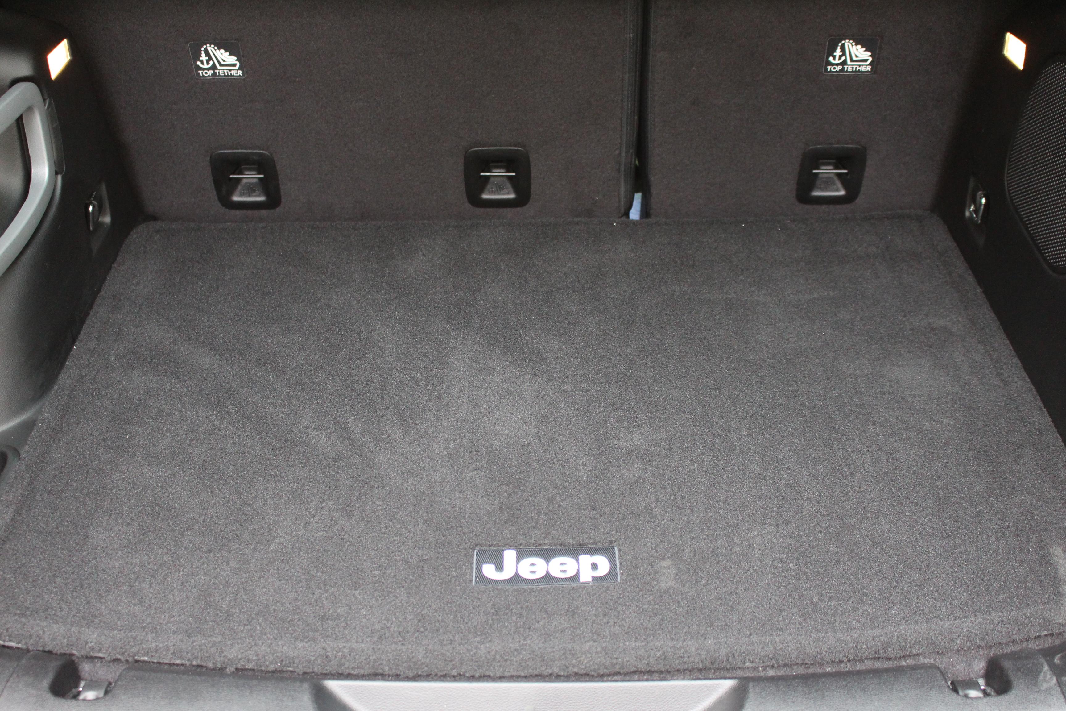 essai jeep cherokee 4x2 conomisez des sioux. Black Bedroom Furniture Sets. Home Design Ideas