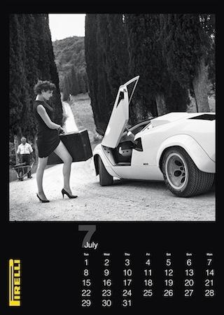 Calendrier Pirelli: 2014 rend hommage à Helmut Newton (vidéo)