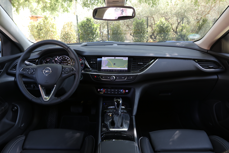 Essai Vido Opel Insignia Sports Tourer 2017 La Taille Ne Fait 2018 Pas Tout