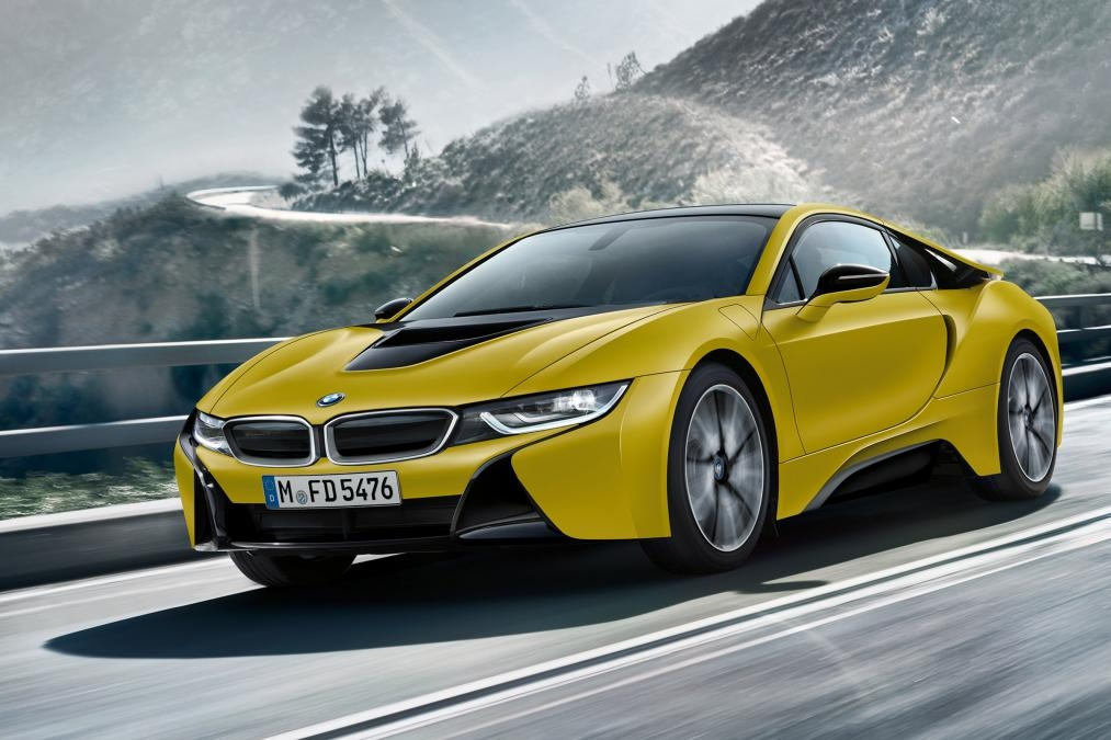 salon de gen ve 2017 la bmw i8 en jaune et noir. Black Bedroom Furniture Sets. Home Design Ideas