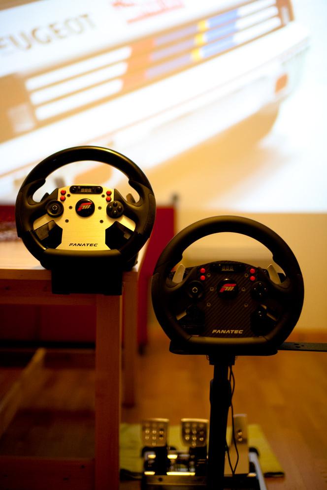 Fanatec CSR Elite : la rolls des volants pour votre Xbox 360, PS3 ou PC