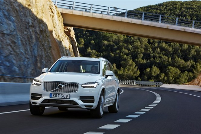 Volvo XC90 T8 Twin Engine : 2.1l/100km, 49 gr CO2/km pour 407 ch