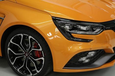 Le châssis cup bénéficier, en option, de freins bi-matières (Aluminium/fonte).