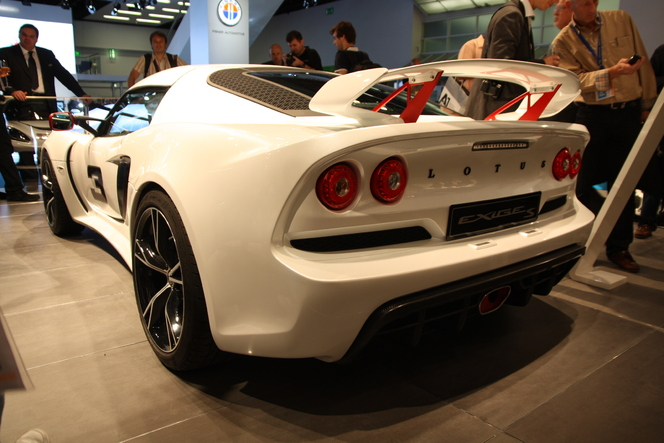 En direct du salon de Francfort 2011 - Lotus Exige S, un V6 et de larges épaules