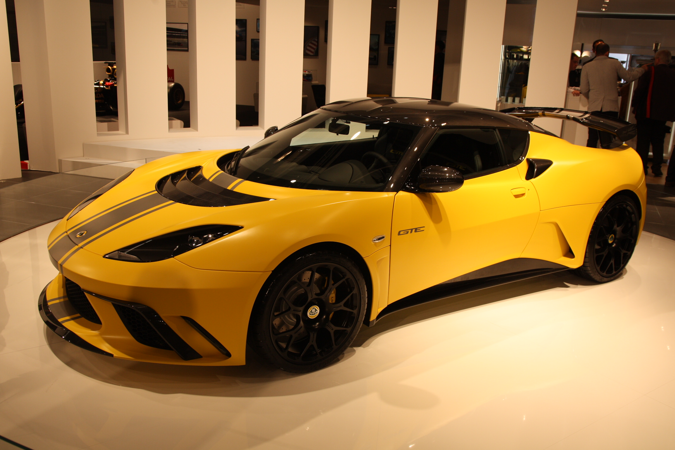 Lotus Evora GTE S0-En-direct-du-salon-de-Francfort-2011-Lotus-Evora-GTE-simplement-la-Lotus-la-plus-puissante-jamais-construite-237500