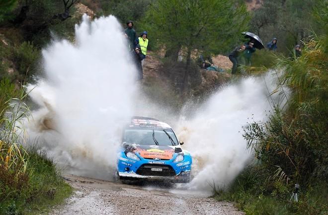 WRC Catalogne Jour 1 : Mads Ostberg se joue de la pluie et survit à l'hécatombe