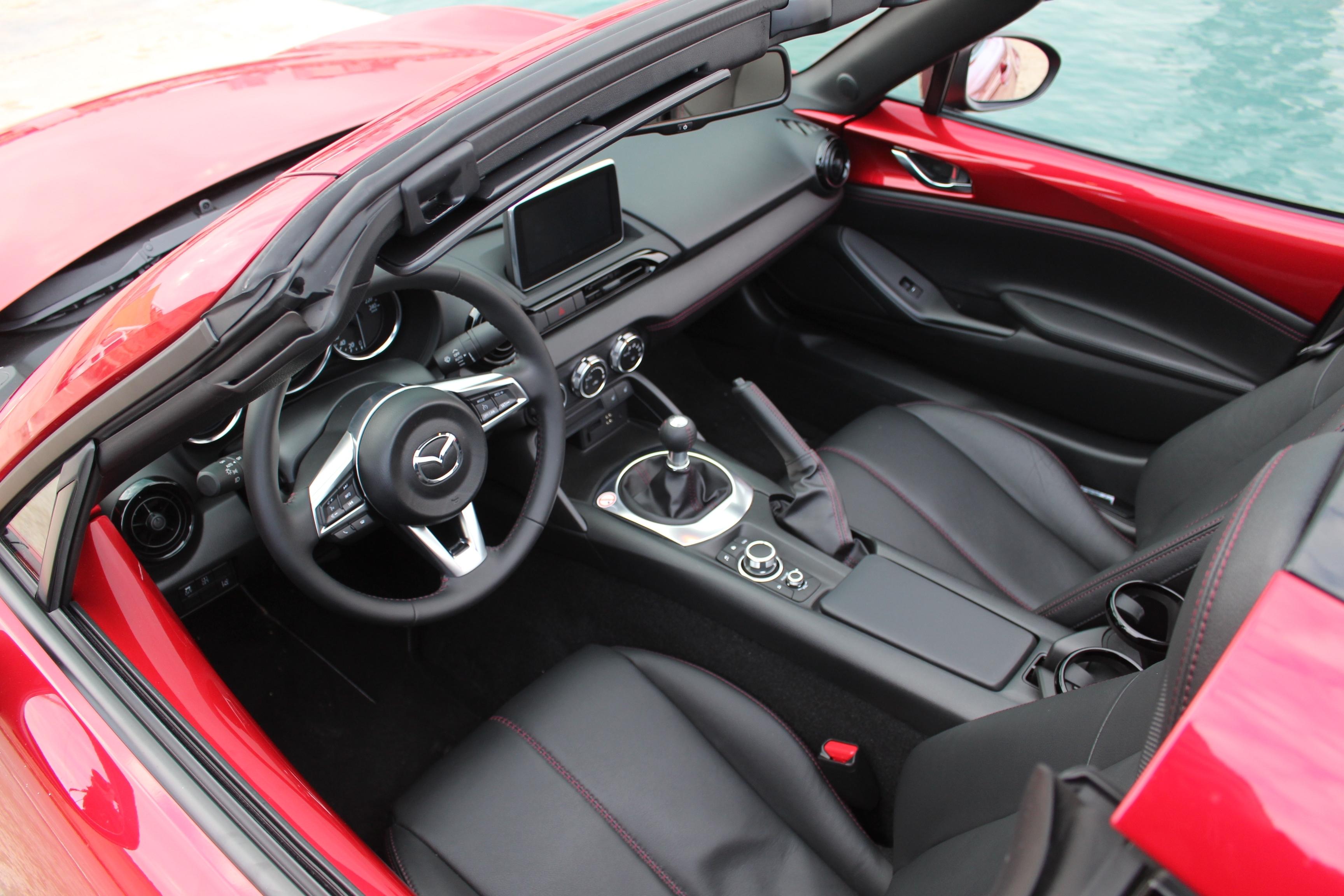 Arrive 5 ConcessionElle Rf En Tête Dure Mazda A La Mx OPkZuXi