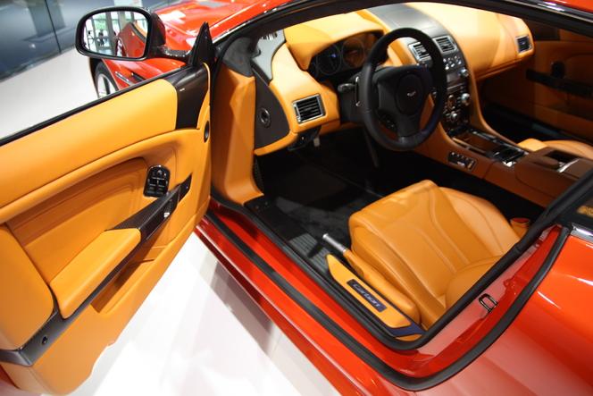 En direct de Francfort : Aston Martin DBS Carbon Edition, comme la Carbon Black mais dans d'autres couleurs