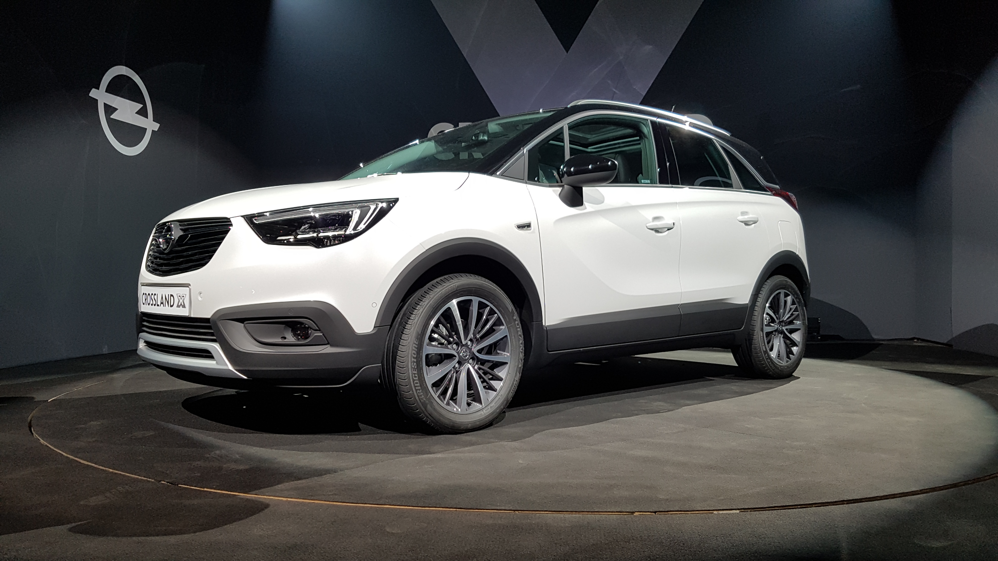 d couverte vid o opel crossland x adieu le meriva. Black Bedroom Furniture Sets. Home Design Ideas