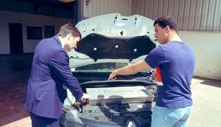 La transformation est effectuée par des entreprises qualifiées et habilitées, à même de vous conseiller sur l'entretien de votre véhicule rétrofité.