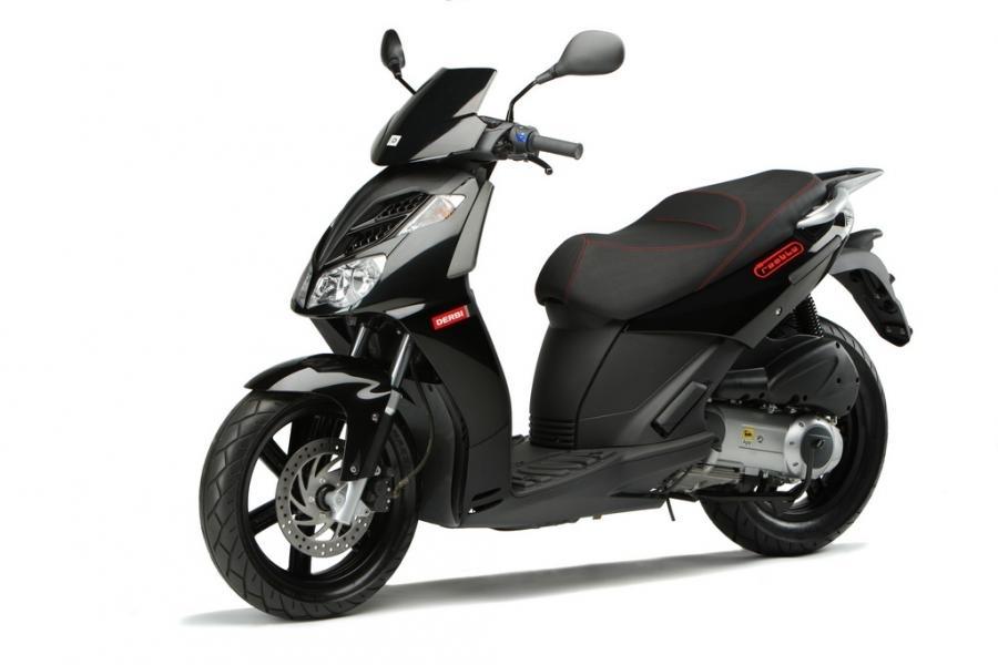 Scooter : Derbi Rambla 125 et 250i