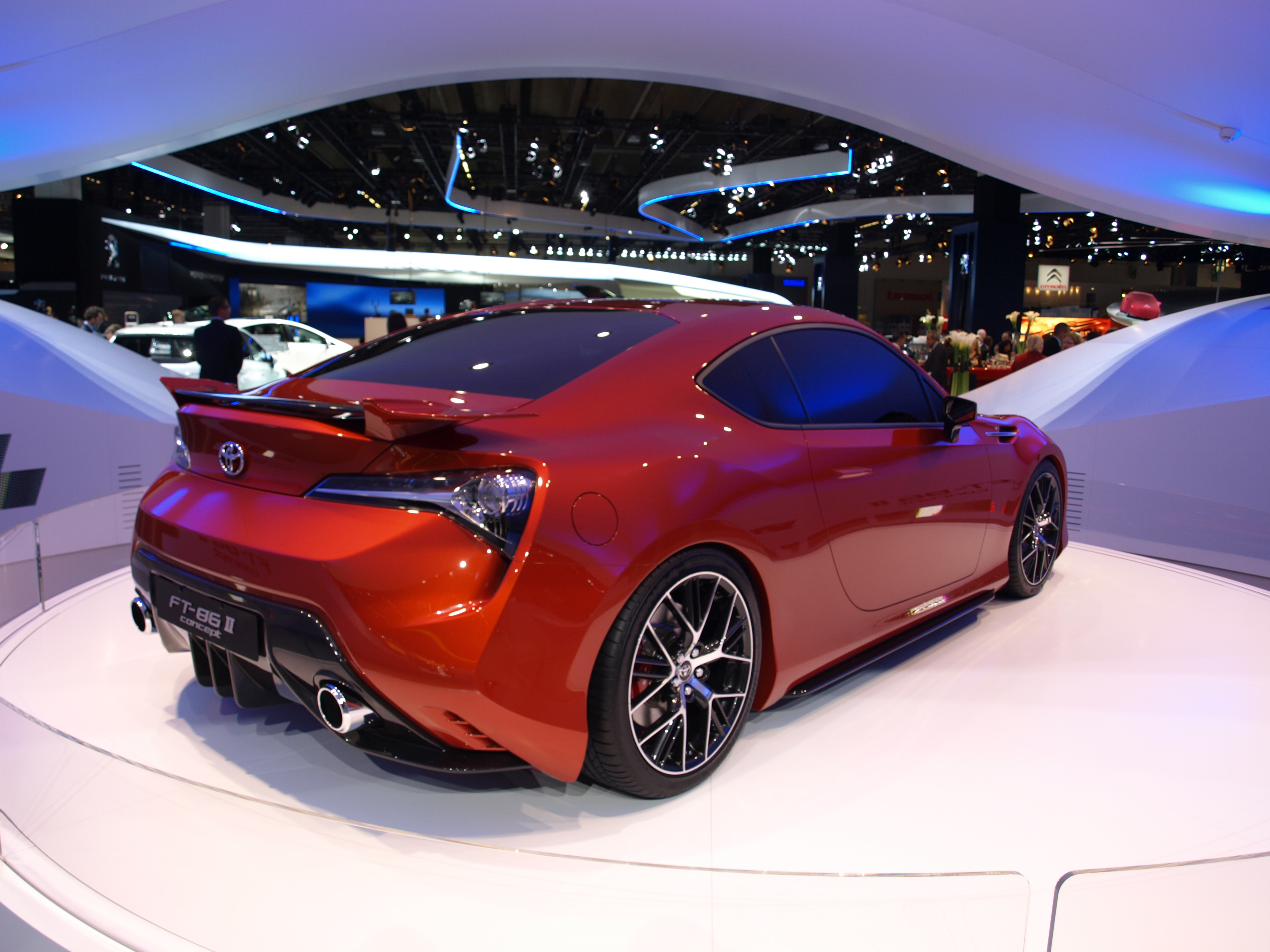 http://images.caradisiac.com/images/2/4/7/0/72470/S0-Francfort-2011-Toyota-FT-86-II-concept-237755.jpg