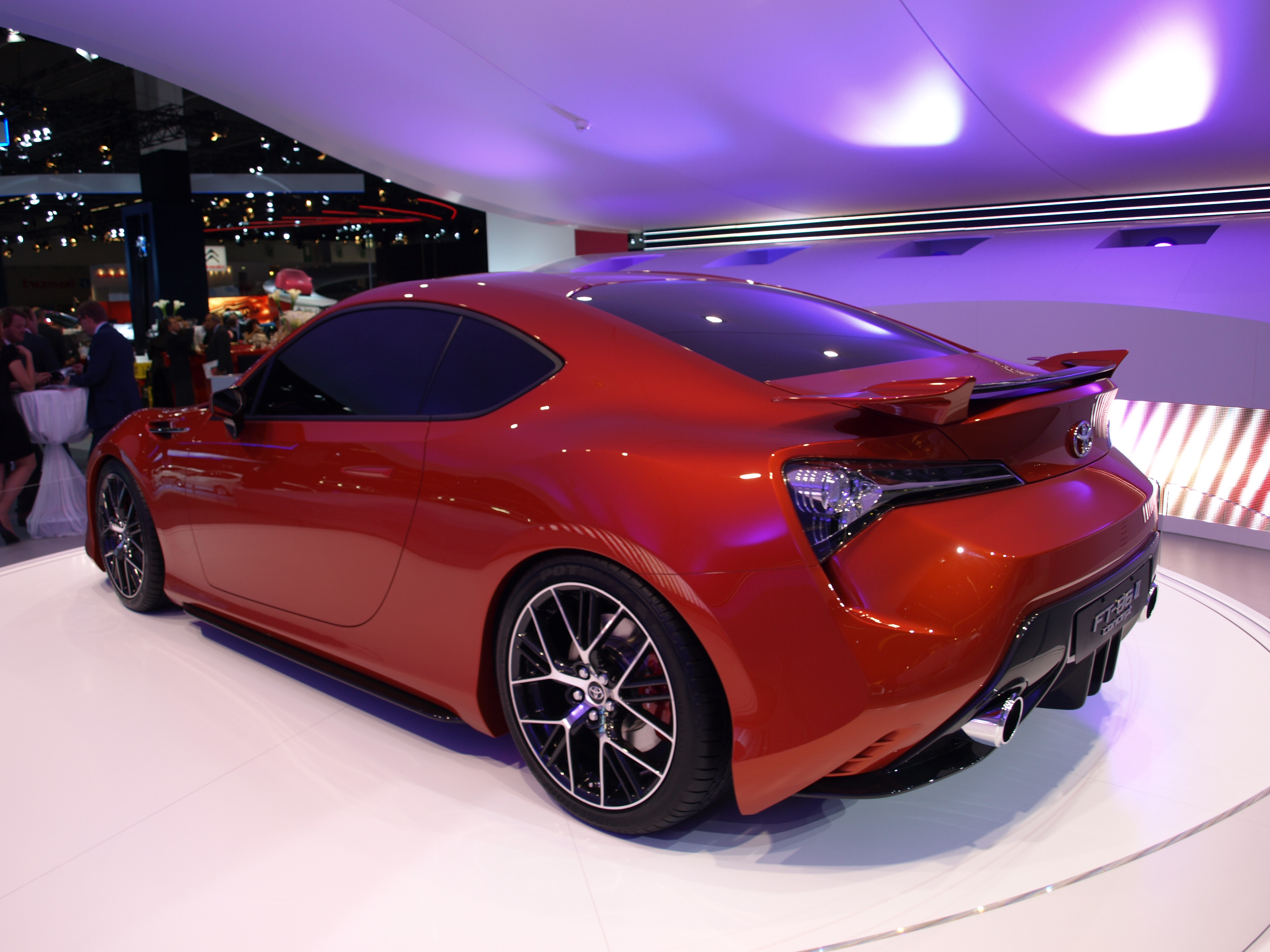http://images.caradisiac.com/images/2/4/7/0/72470/S0-Francfort-2011-Toyota-FT-86-II-concept-237757.jpg